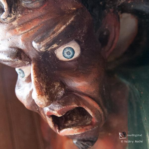 statue d'Asmodée, détail sur l'oeil